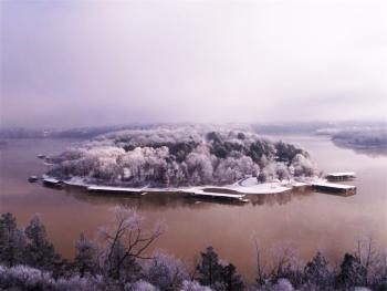 Table Rock Lake in Winter